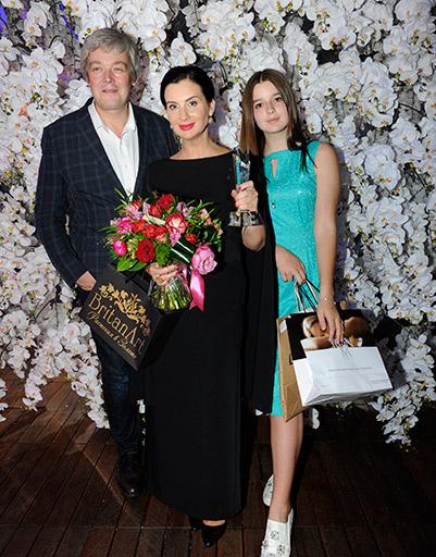 Александр и Екатерина Стриженовы с дочерью Сашей