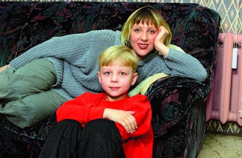 Денис – единственный ребенок Яковлевой. Он родился в браке с актером Валерием Шальных