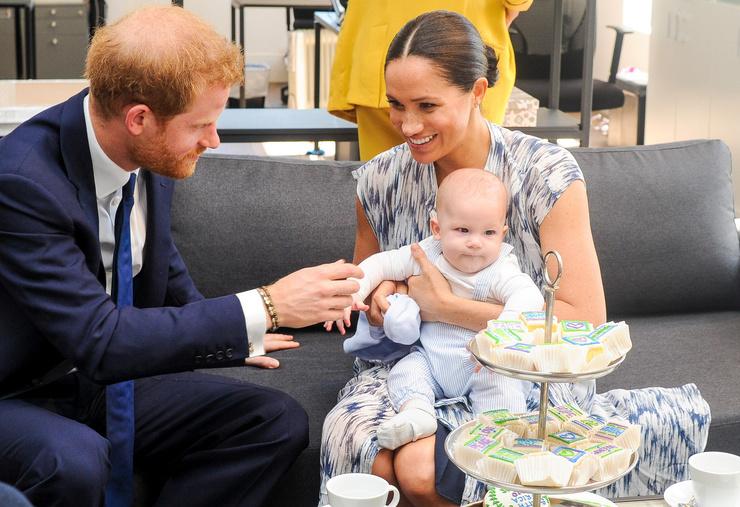 Супруги отказались от королевских обязанностей ради того, чтобы у детей было спокойное детство