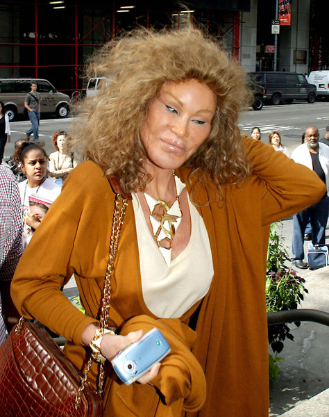 Джоселин хотела быть похожей на львицу, и, похоже, ей это удалось.