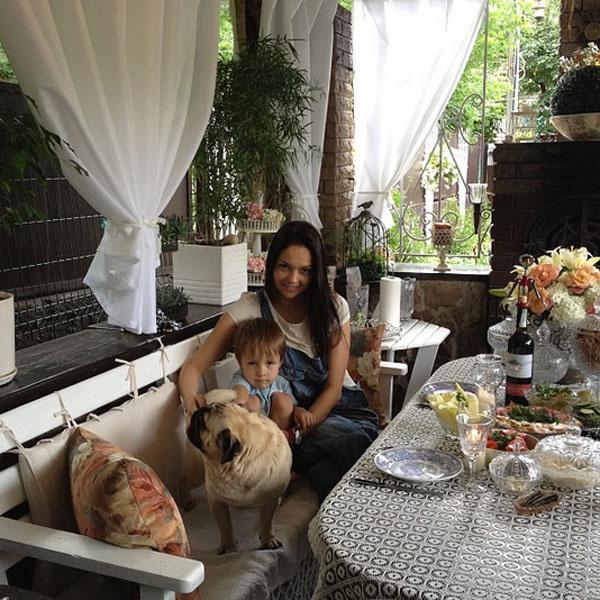 Ирина Скорикова с сыном Тишей