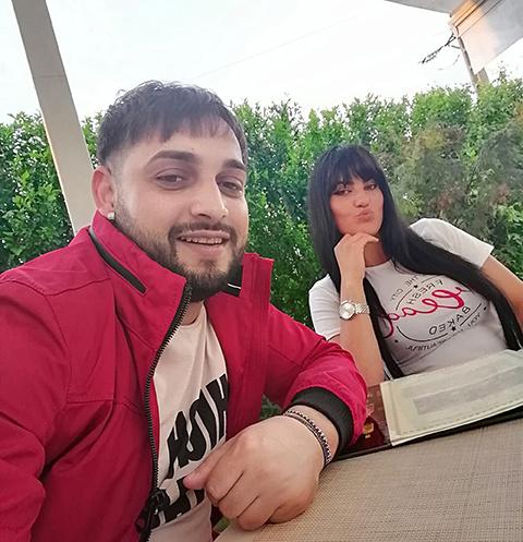 Тави Пустиу с женой