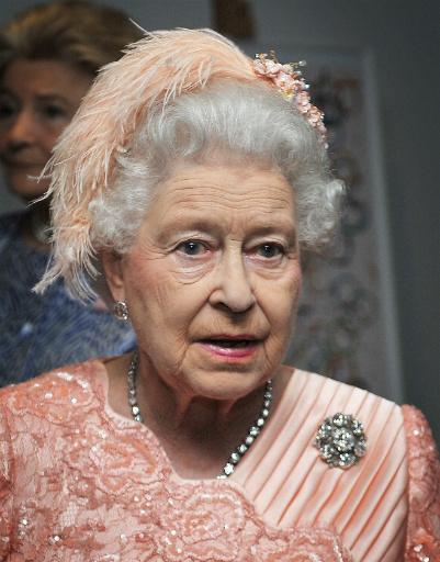 Главное действующее лицо церемонии - Ее величество Елизавета II