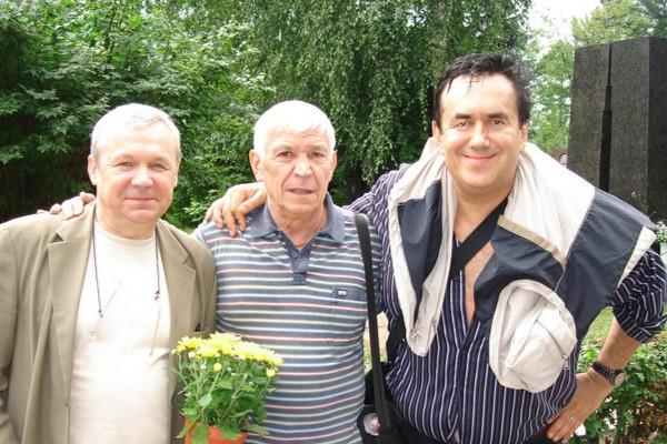 Иван Бортник с друзьями