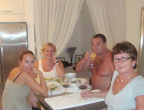 Жанна была очень близка с родителями