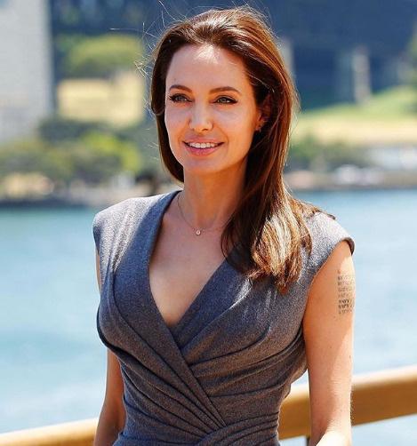 Анджелина Джоли добивается полной опеки над детьми
