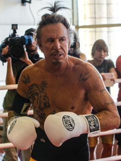 Микки Рурк не новичок на боксерском ринге