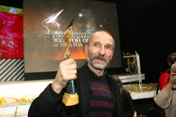 Роль в фильме «Остров» подарила ему ряд кинонаград