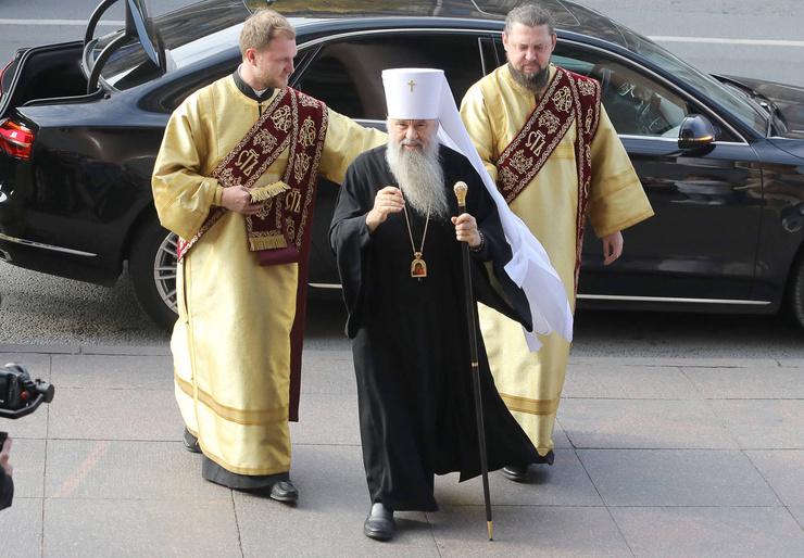 Митрополит Санкт-Петербургский и Ладожский Варсонофий будет венчать молодых