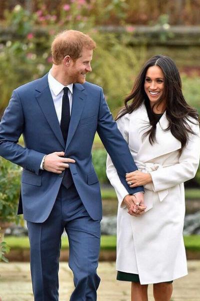 Сам принц старается не обращать внимания на критику в адрес возлюбленной