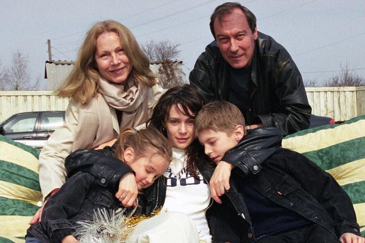Иван стал продолжателем знаменитой актерской династии