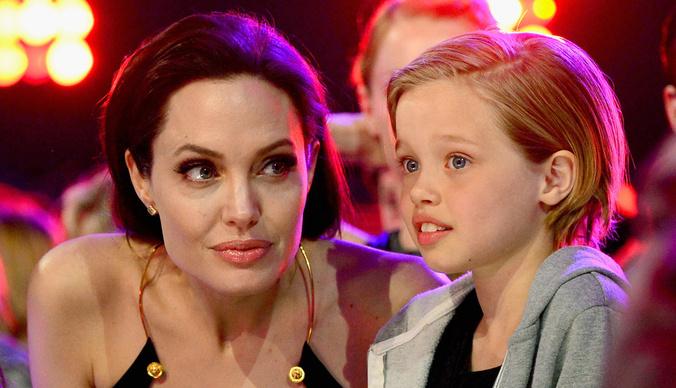 От светловолосой малышки до трудного подростка: лучшие фото дочери Анджелины Джоли и Брэда Питта