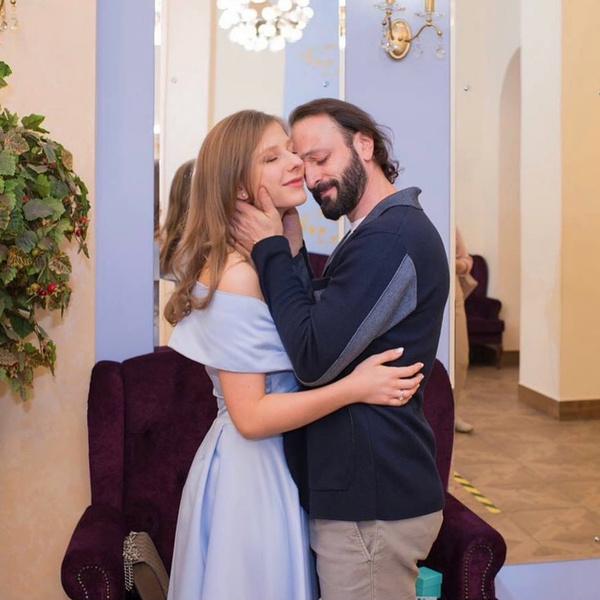 В прошлом году фигурист снова женился