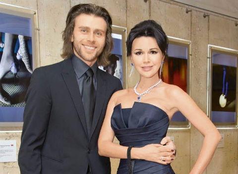 Анастасия Заворотнюк: «После неудачных браков мы с Петей счастливы»