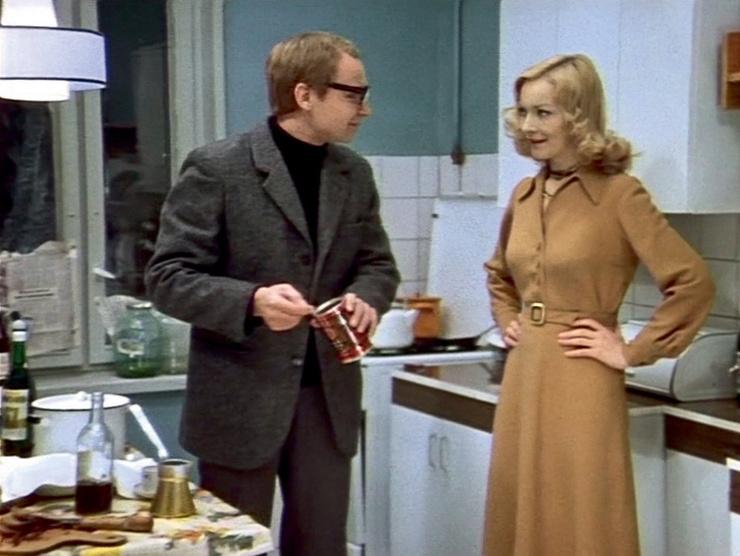 О креповом платье Нади Шевелевой мечтали все советские барышни