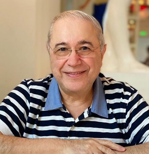 «Скачет, не жалея себя»: 74-летний Петросян преобразился в браке с Брухуновой