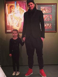 Дмитрий Тарасов с дочкой Ангелиной