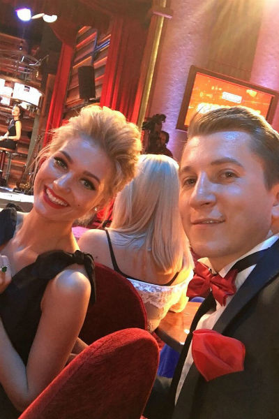 Дмитрий продолжает общаться с коллегами по сериалу