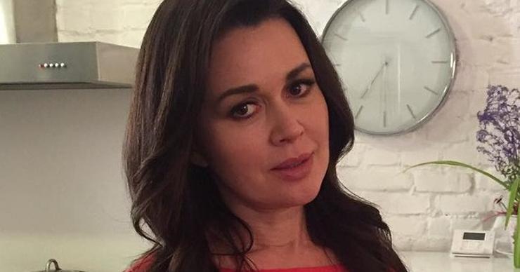 Анастасия Заворотнюк вышла из декрета спустя четыре месяца после рождения дочери