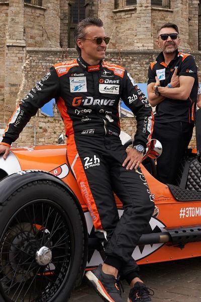 Сергей Шнуров подружился со многими гонщиками