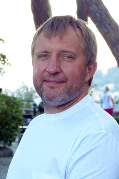 Юрий — сын украинского политика и мецената Виталия Коржа