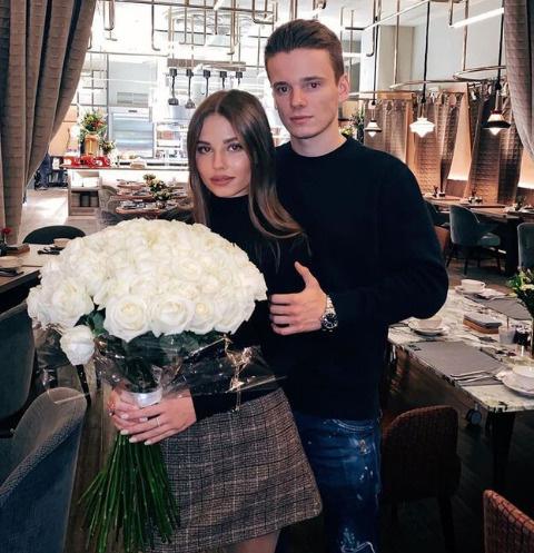 Арсений Шульгин с беременной женой на УЗИ — первое фото