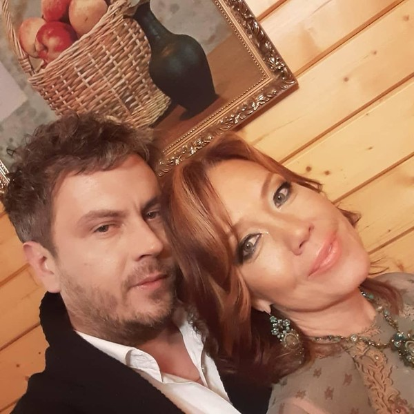 Алессандро Лорте и певица Азиза