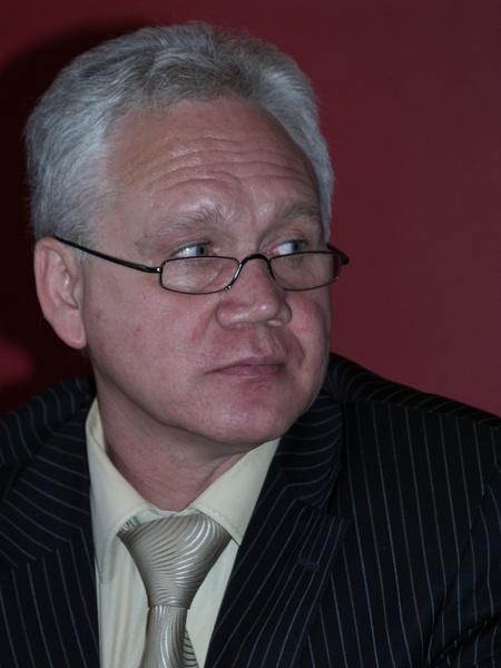 Директора театра Романа Виктюка обвинили в изнасиловании