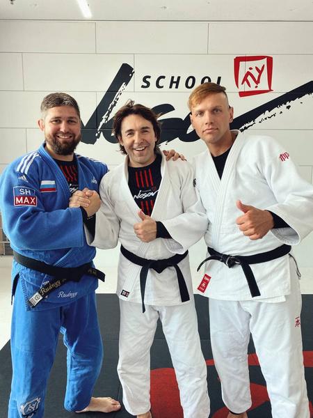 Андрей Малахов и Алексей Леденев (справа)