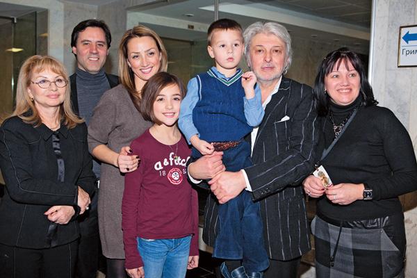 Семья Добрыниных в полном составе