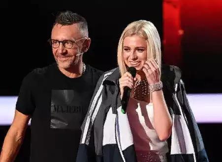 Сергей Шнуров подарил куртку участнице «Голоса» из команды Ани Лорак