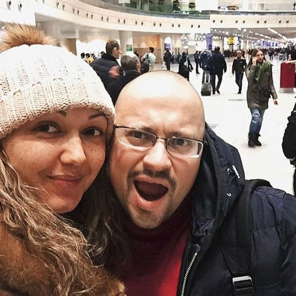 Любимая сопровождала артиста во время лечения в Германии
