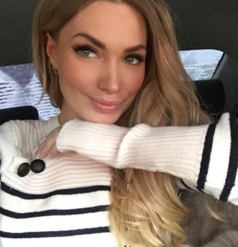 Евгения Феофилактова хвалится дорогими подарками от ухажера