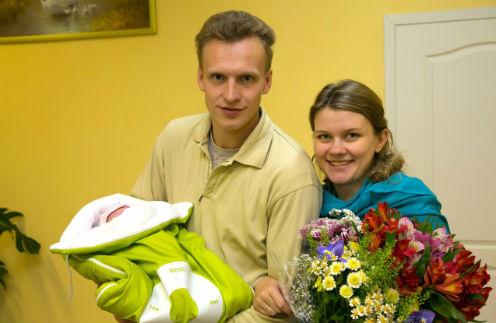 Семь месяцев назад у пары родилась дочь Света