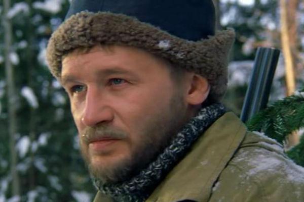 Олег не только снимает фильмы, но и часто работает в качестве актера