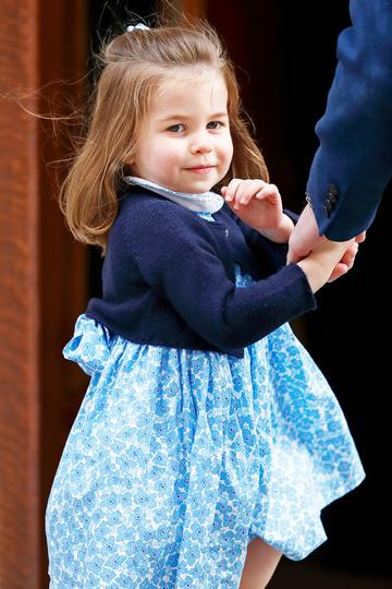 Похожее платье Шарлотты на одном из королевских мероприятий