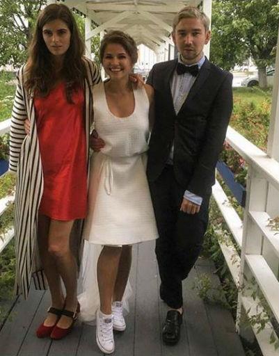 Во второй части праздника невеста облачилась в другой наряд