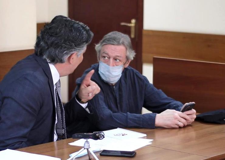 В личной жалобе на приговор Ефремов рассказал о сильном давлении со стороны своего защитника