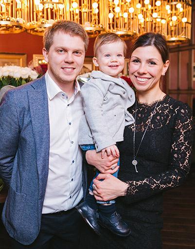 Старшая дочь Михаила Турецкого Наталья с семьей