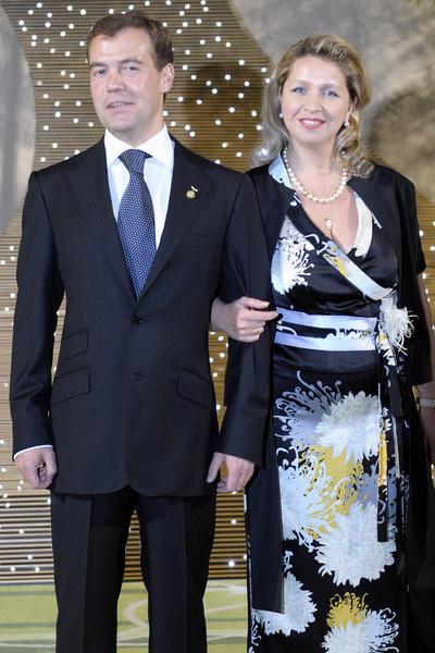 С женой Светланой Медведев в браке уже 27 лет
