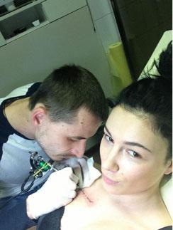Анастасия Приходько сделала себе 11-ю татуировку