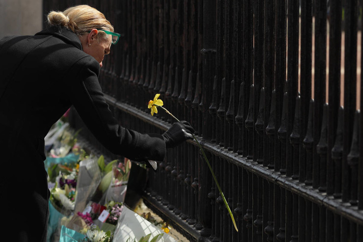 В Великобритании скорбят по умершему принцу Филиппу