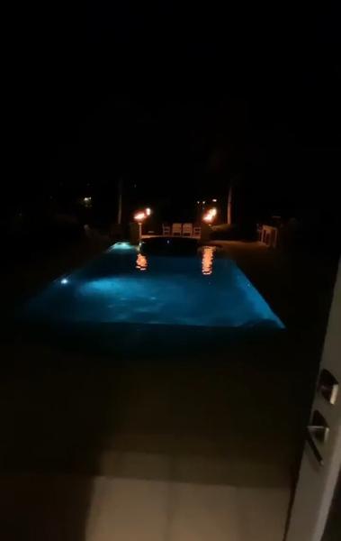 У звезд есть собственный бассейн