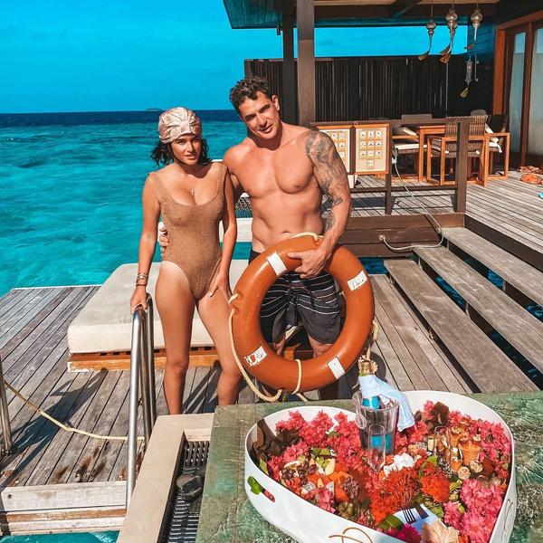 Словно Барби и Кен: отдыхающих на Мальдивах Ксению Бородину с мужем сравнили с куклами