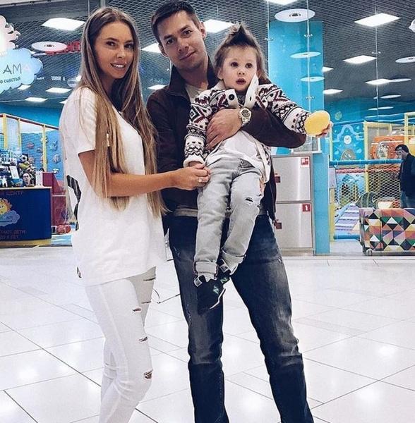 Наталия и Стас давно расстались, но вместе заботятся о сыне
