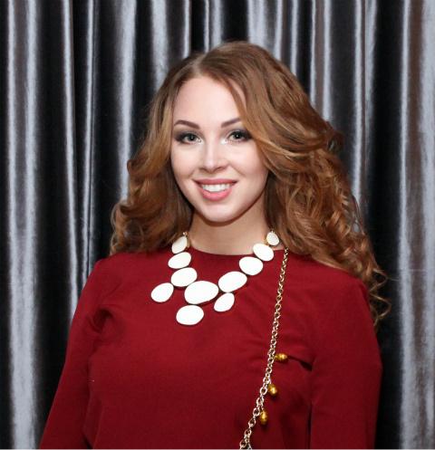 Полина Диброва
