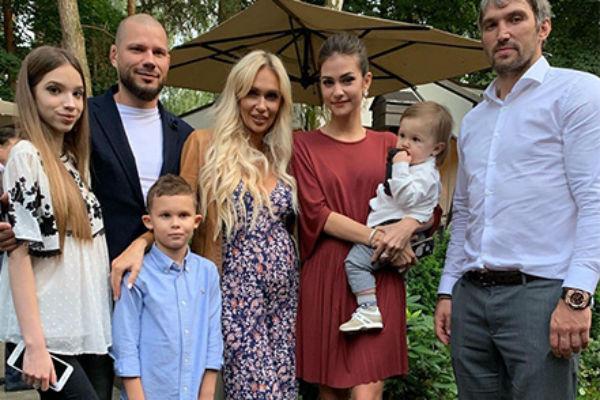 Шубская и Овечкин гордятся своей большой и дружной семьей