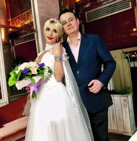 Алена и Руслан зарегистрировали отношения в Тверском загсе 1 июня
