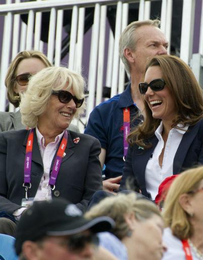 Камилла Паркер-Боулз и Кейт Миддлтон следили за выступлениями внучки Елизаветы II