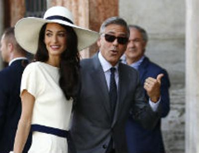 Джордж Клуни раздражает жену поведением в постели